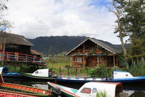 typische Pfahlhäuser von El Puerto, Laguna de la Cocha