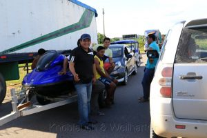 Straßenblockade bei Campanilla, Peru