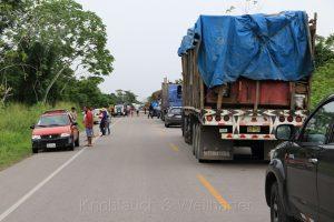 Straßenblockade bei Campanilla