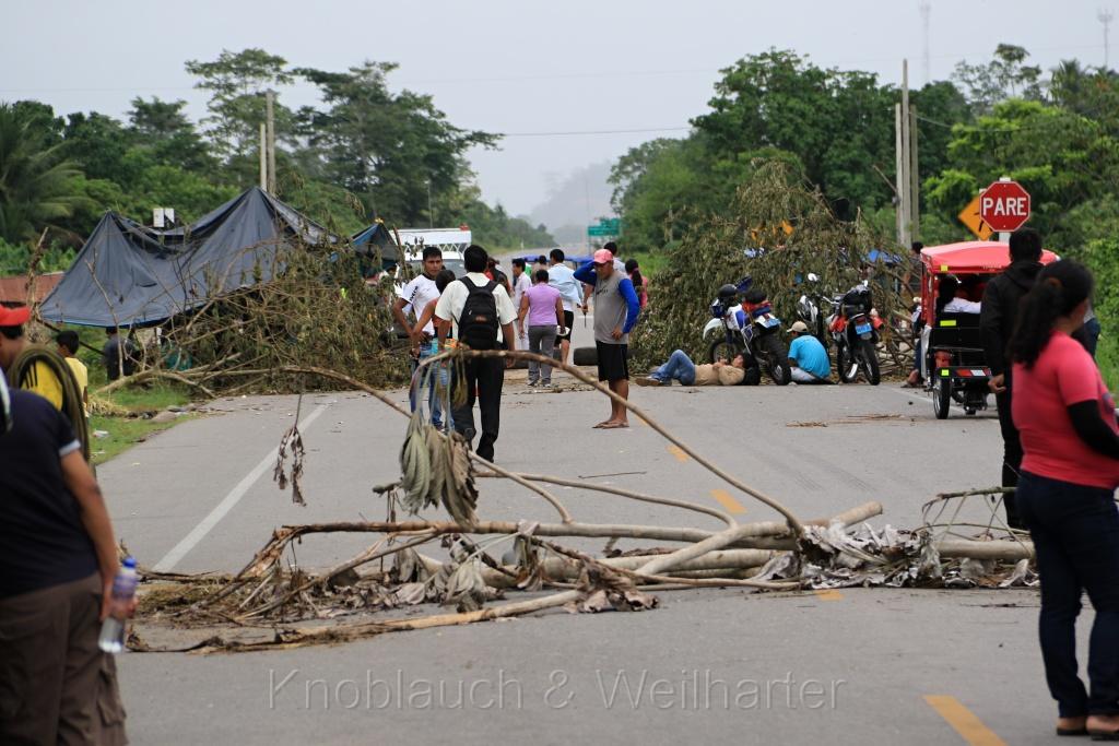 Straßenblockade – eine Variante von praktizierter Selbstjustiz in Peru