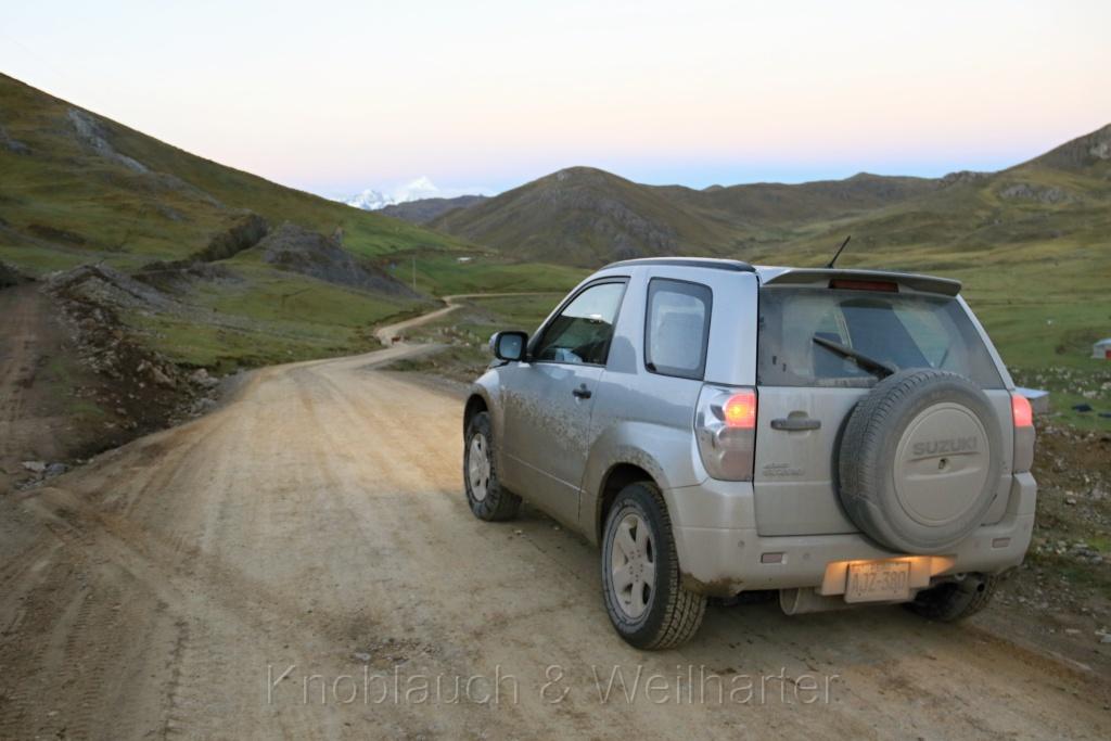 Durch die wunderschöne Andenwelt der Bergregion Huaguruncho