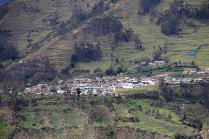 Yunga-Höhenzone zwischen Huachón und Oxapampa, Peru